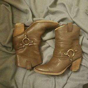 Guess cowboy boots
